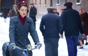 'Call The Midwife' #1 in the UK on Sunday.