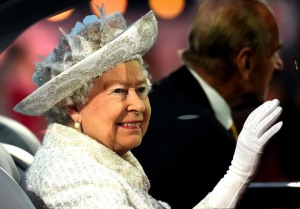 showbiz-commonwealth-games-opening-ceremony-queen-elizabeth