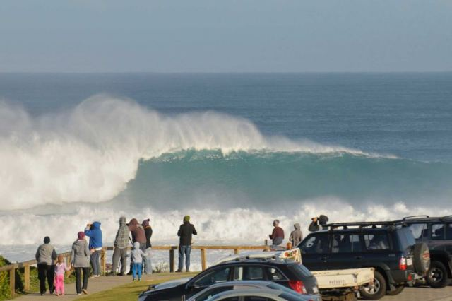 http://www.abc.net.au/news/2015-06-27/a-man-is-injured-surfing-a-big-wave-off-the-coast/6578054