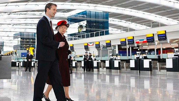 https://www.itv.com/itvplayer/britain-s-busiest-airport-heathrow/series-1/episode-2