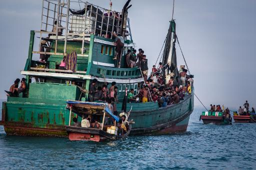 https://au.news.yahoo.com/world/a/28505353/indonesia-insists-australia-pays-people-smugglers-to-turn-back/