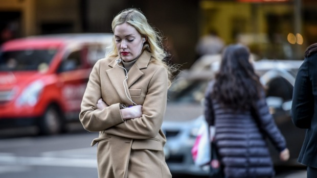 Melbourne weather: Snow, rain, freezing winds expected this weekend http://www.theage.com.au/victoria/melbourne-weather-snow-rain-freezing-winds-expected-this-weekend-20150710-gi9el9.html
