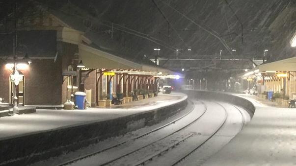 https://au.news.yahoo.com/video/watch/28868722/snowflakes-make-nsw-winter-wonderland/
