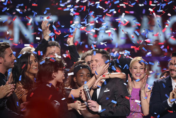 la-et-st-american-idol-series-finale-show-high-037