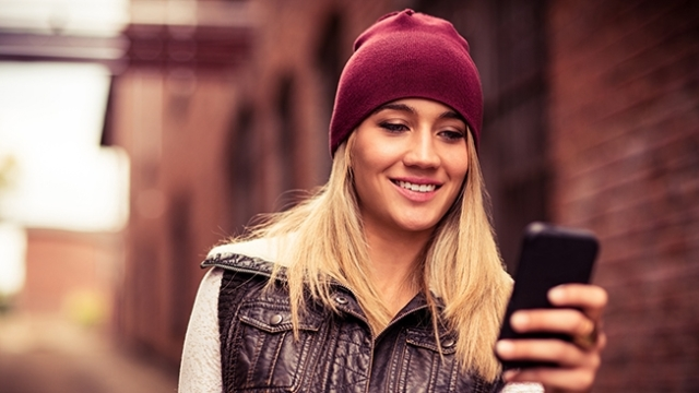 smart-phone-girl-hed-2014