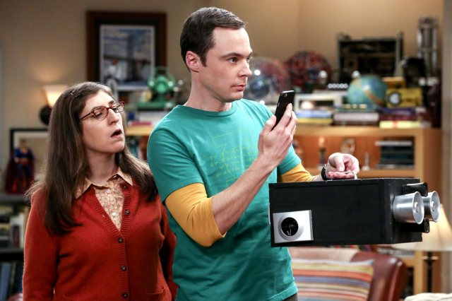 CBS #1 Thursday as 'The Big Bang Theory', the most watched comedy in the world was the top program.
